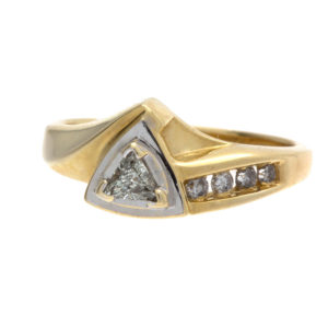 Stylish 14K Yellow Gold .12CT Trilliant Cut Diamond Ring