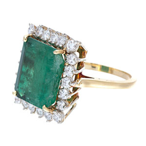 Stunning 14K Yellow Gold 8.95CT Natural Emerald & Diamond Ring