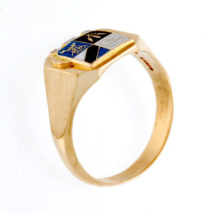 "BIRKS 10K Yellow Gold ""Carpe Diem"" Coat of Arms Signet Ring"