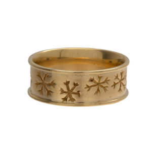 Festive 14K Yellow Gold 8mm Snowflake Band