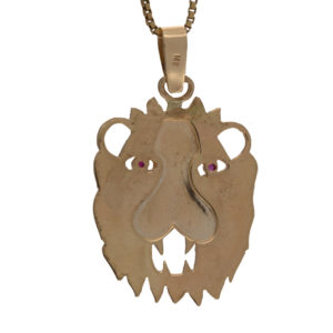 14K Yellow Gold Lion Head Pendant w/ Ruby Eyes