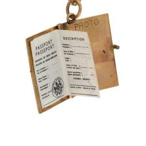 Fun 9K Yellow Gold 21mm Articulated British Passport Charm/Pendant
