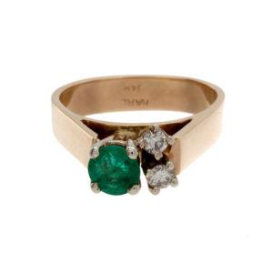 Gorgeous 14K Yellow Gold Emerald & 2 Diamond Ring