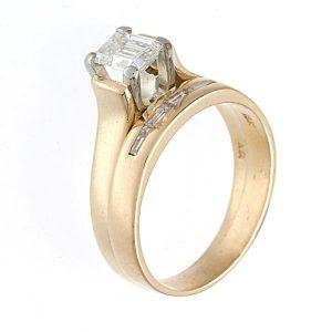 18K Yellow Gold 0.84TDW 5 Diamond 2 Ring Wedding Set