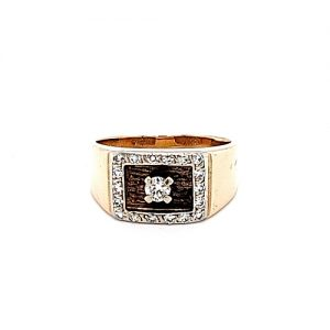10K Yellow Gold .15CT Diamond Centre & Diamond Framed Signet Style Ring